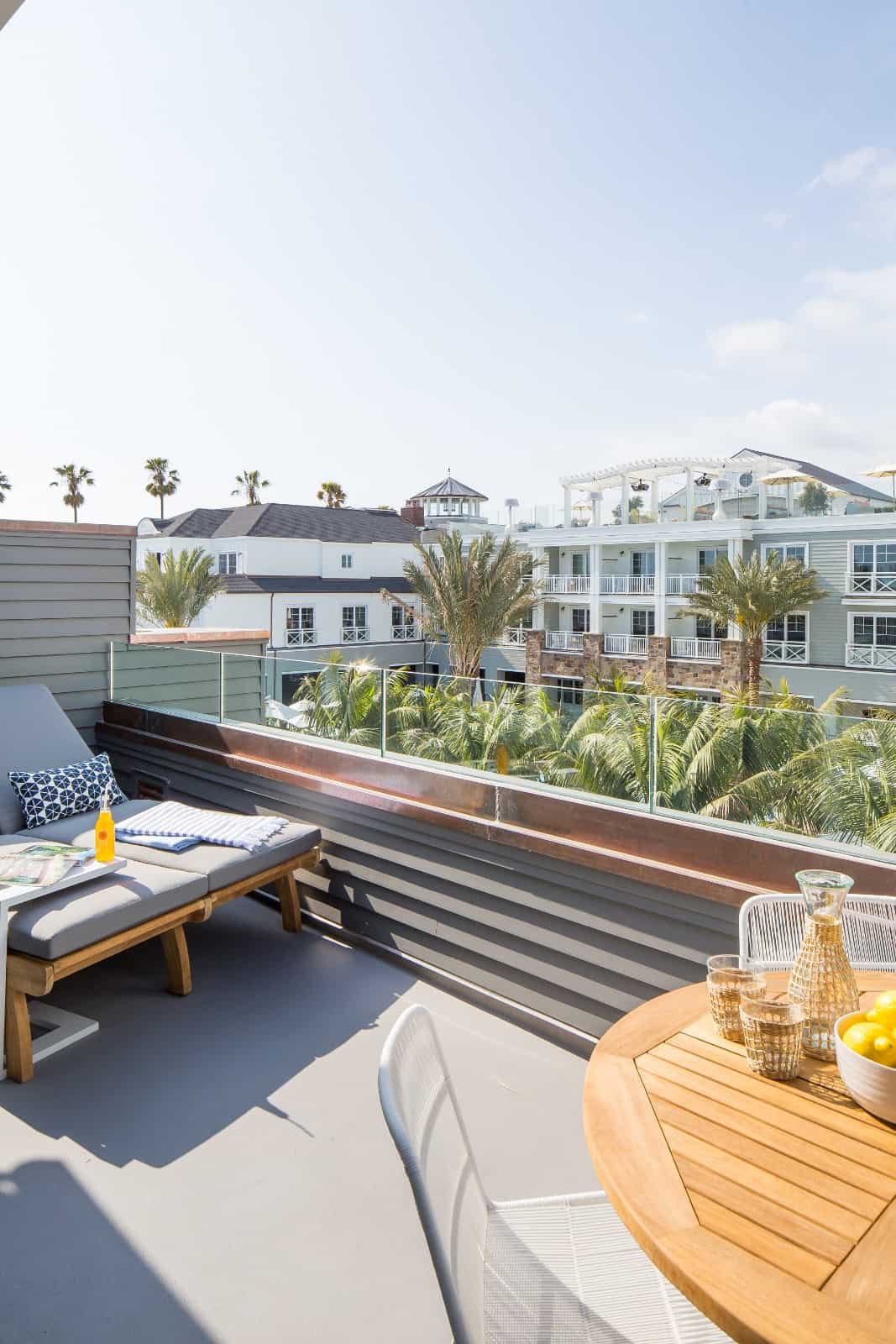 beach-style-rooftop-deck