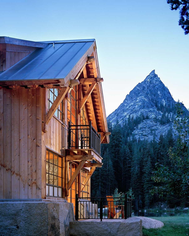 wilderness-mountain-cabin-exterior