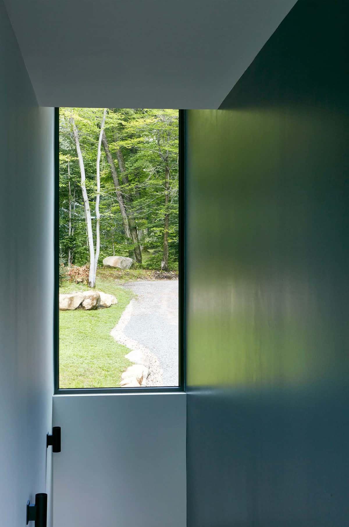 contemporary-hall-window