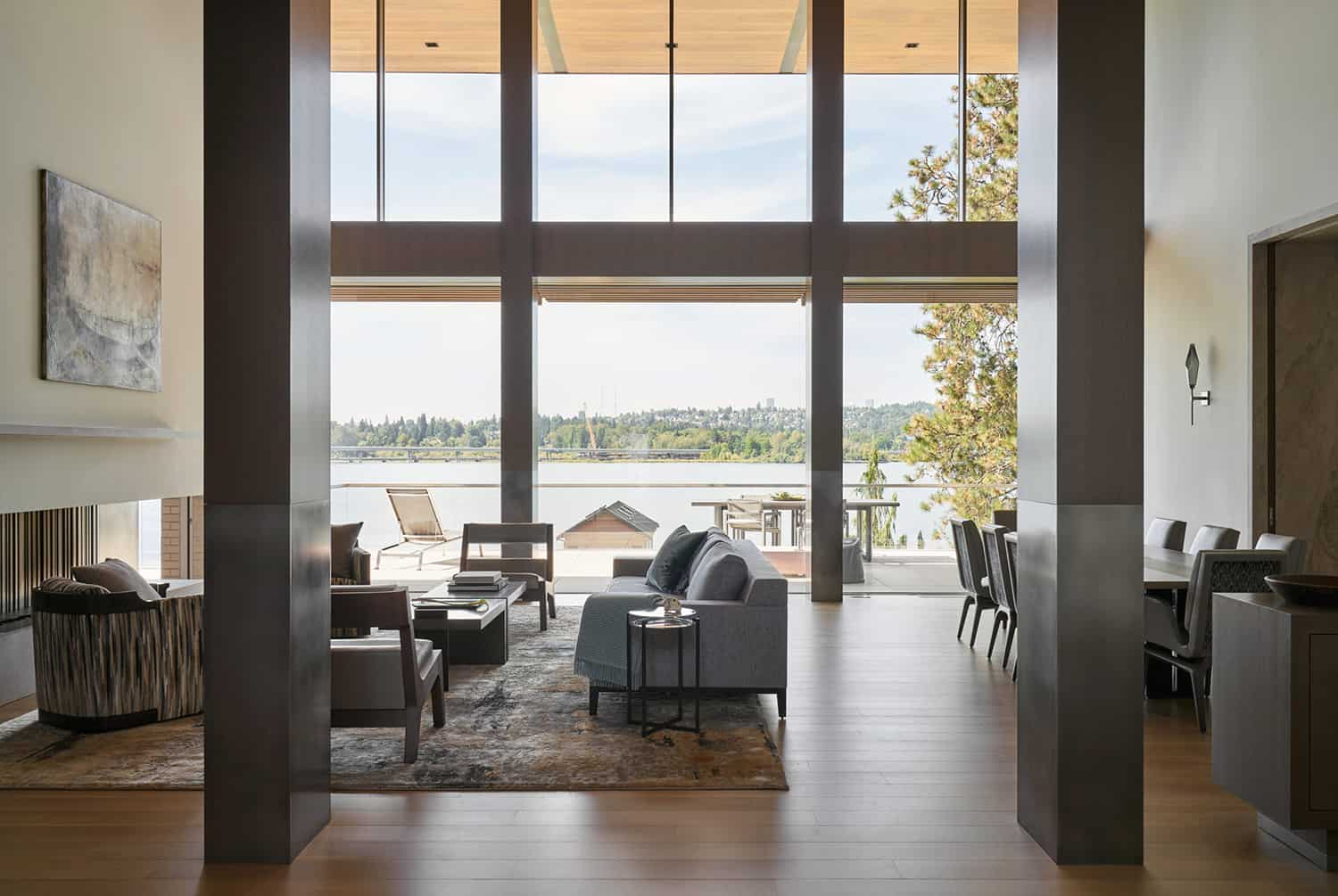 contemporary-living-room-lake-view