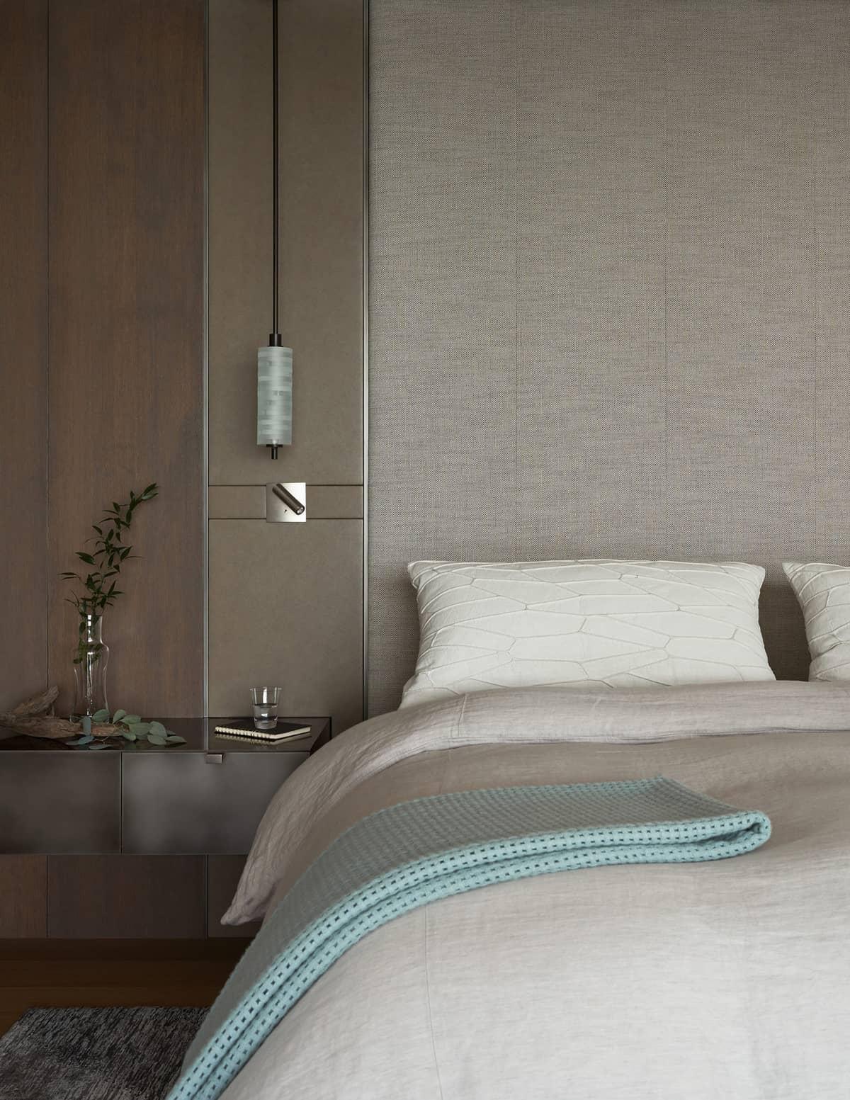 contemporary-lake-washington-home-bedroom