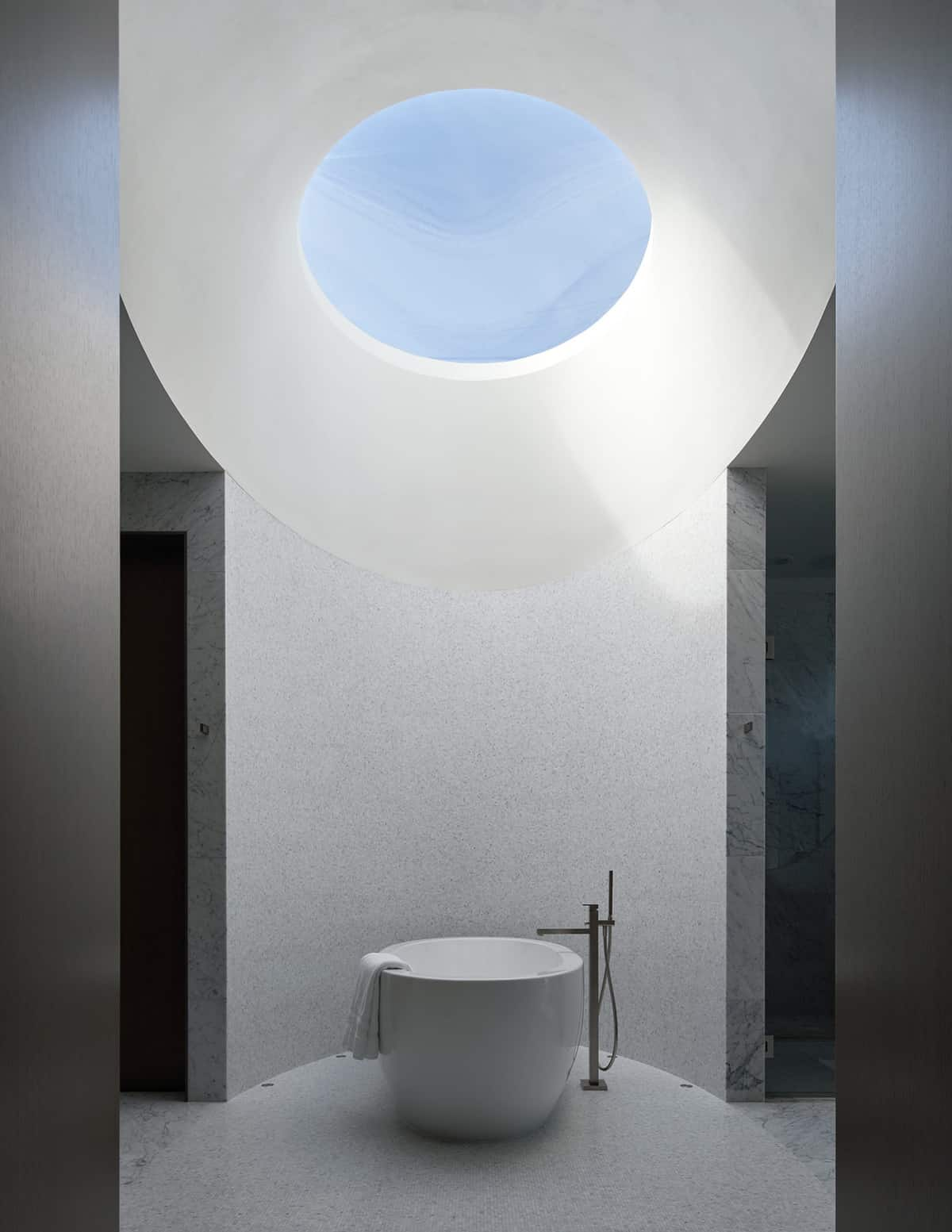 contemporary-bathroom-with-freestanding-tub
