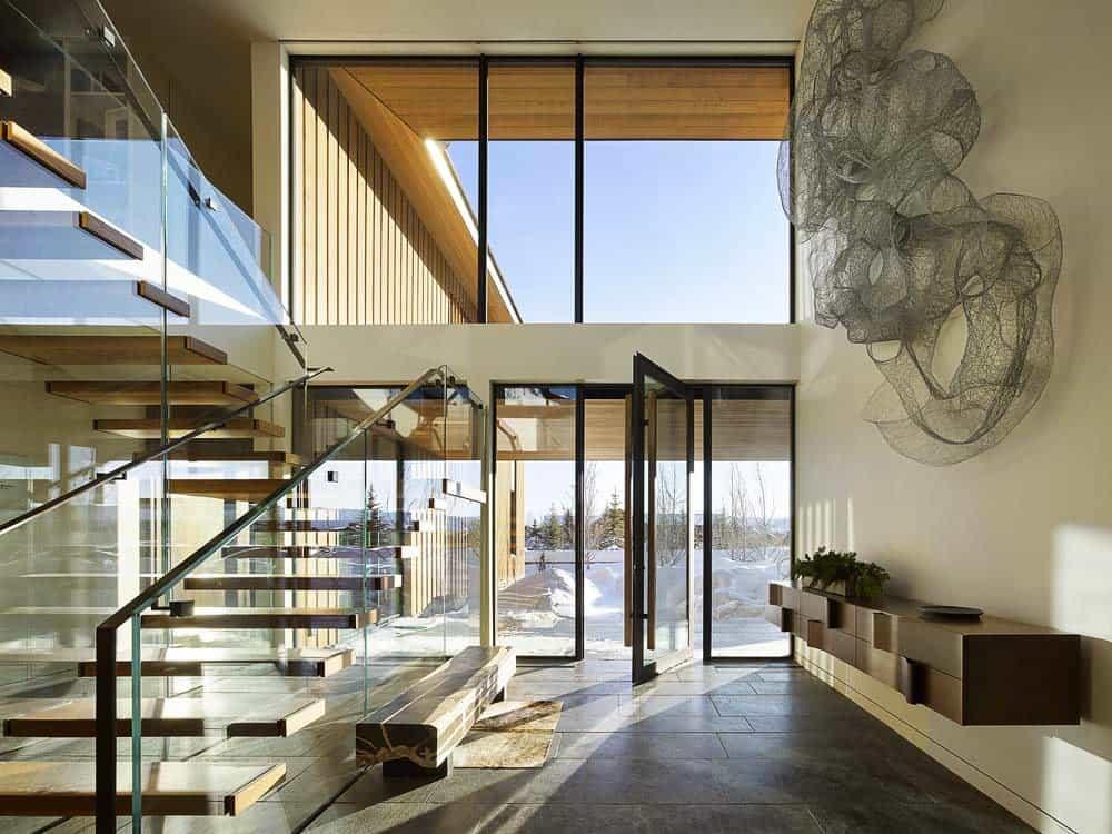 contemporary-mountain-style-staircase-entry