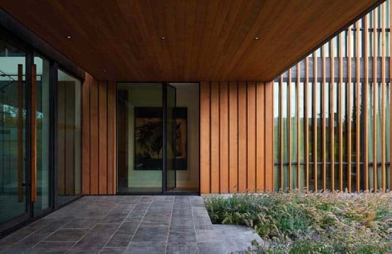 contemporary-wyoming-mountain-retreat-entry