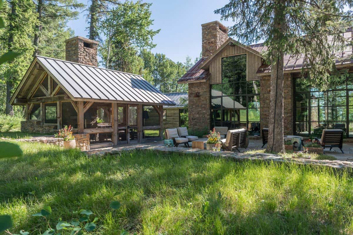 contemporary-mountain-style-home-exterior