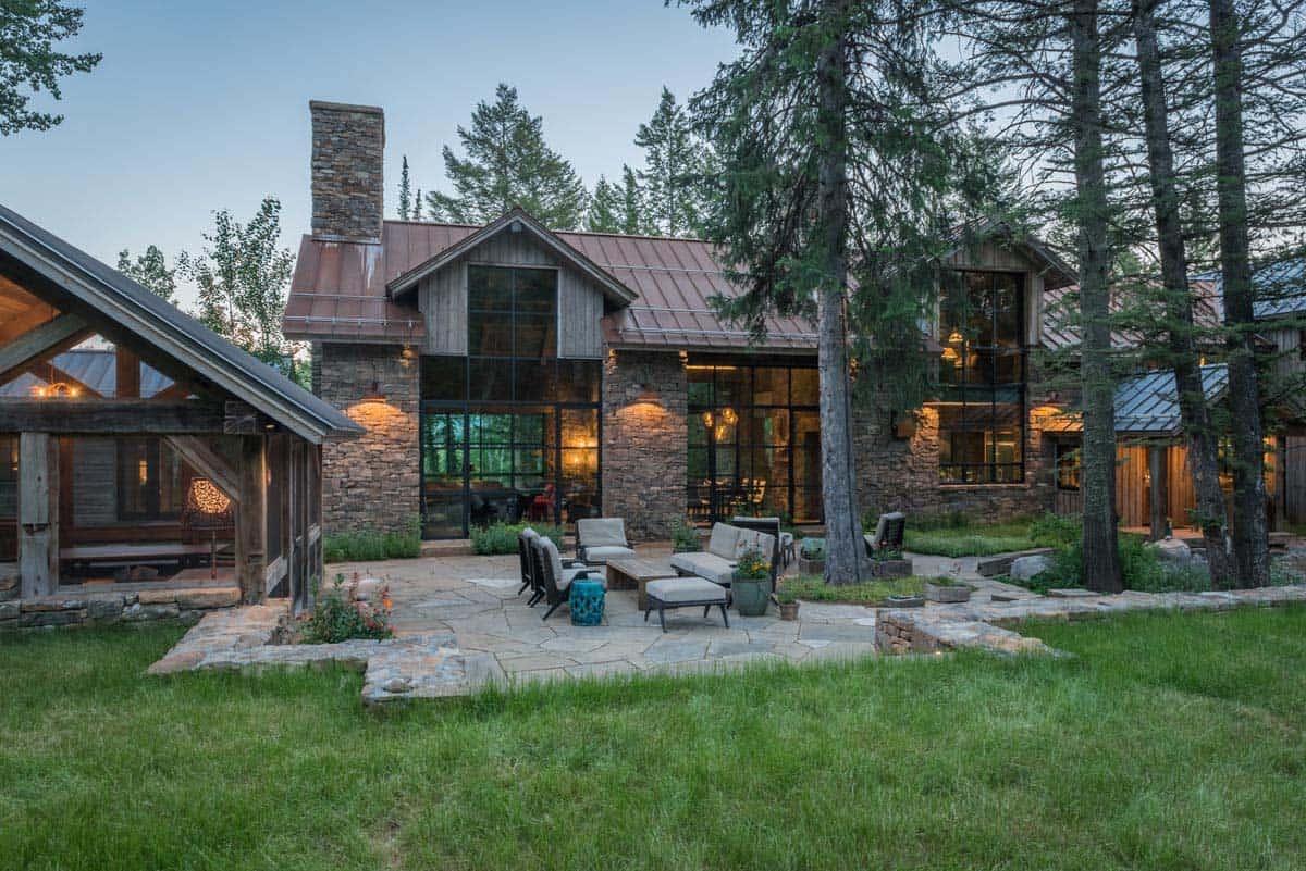 contemporary-mountain-style-home-exterior-dusk
