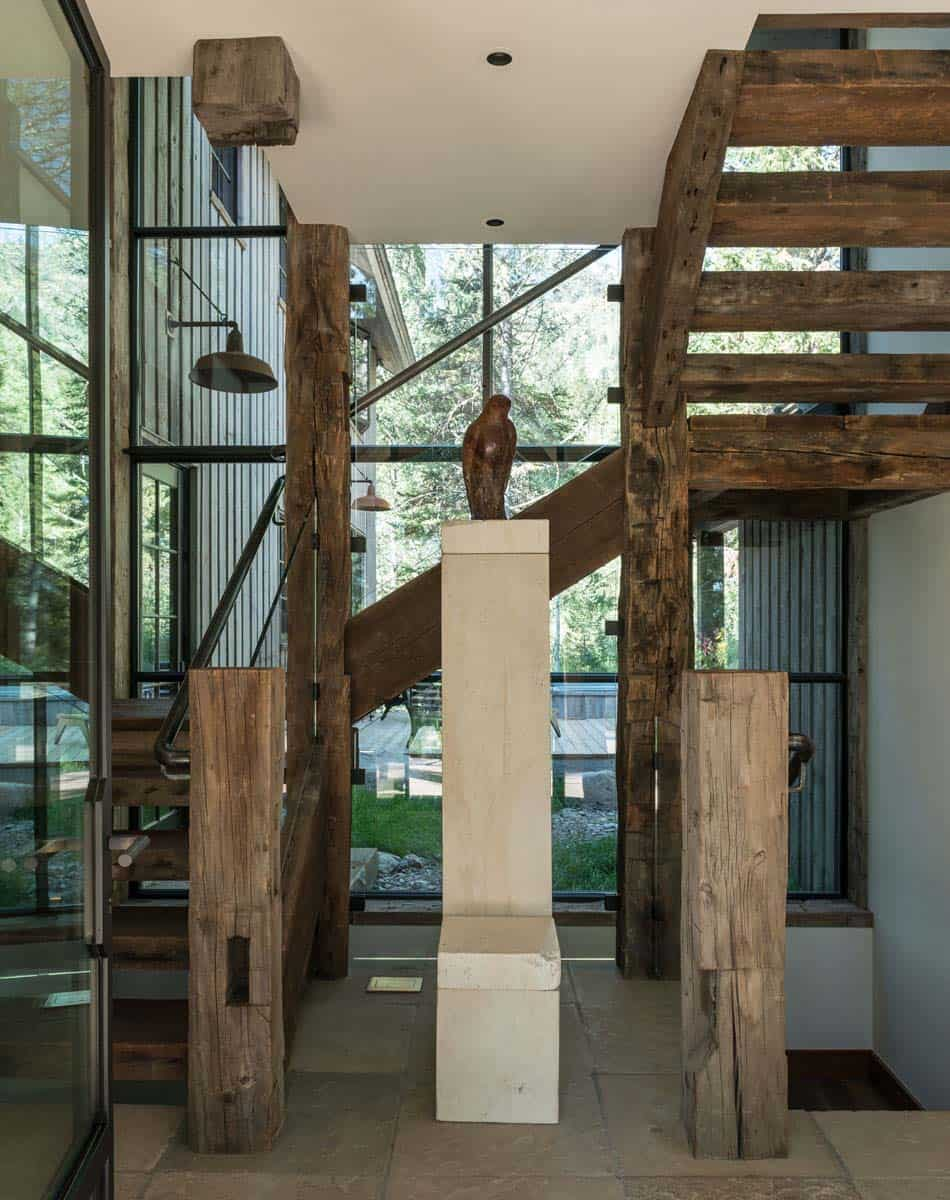 contemporary-mountain-style-staircase