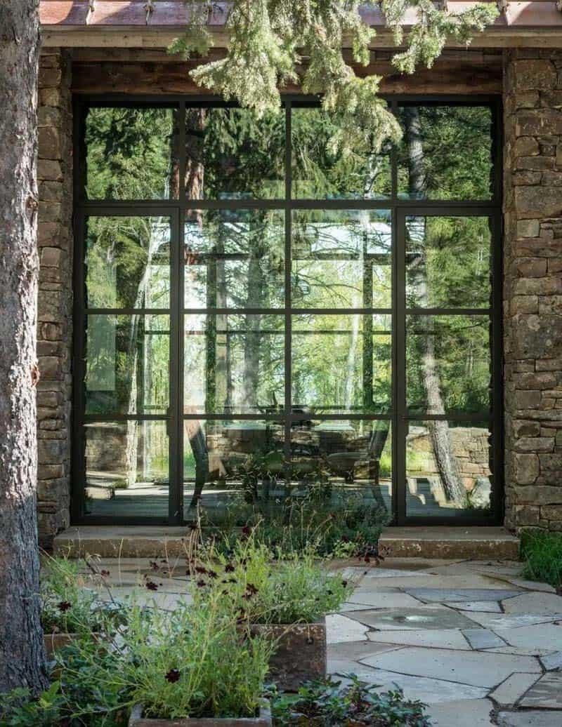 contemporary-mountain-style-home-exterior-window