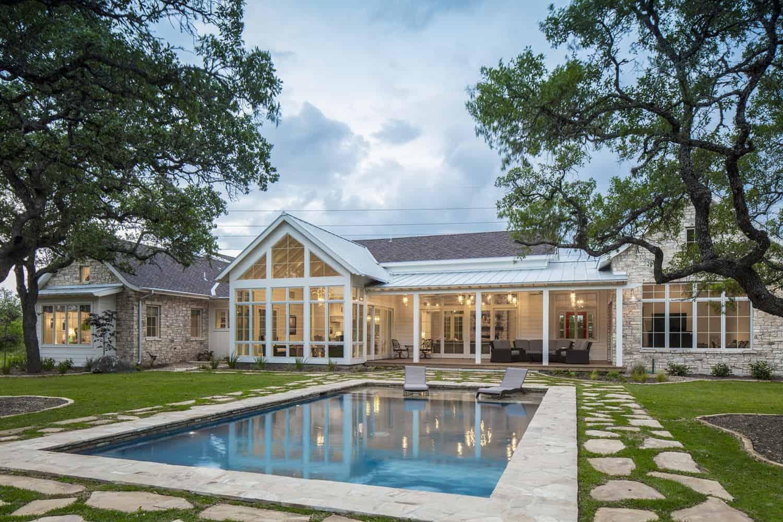 farmhouse-style-swimming-pool