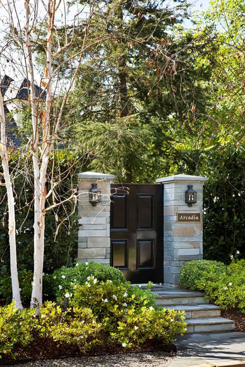 French-bluestone-manor-house-gate