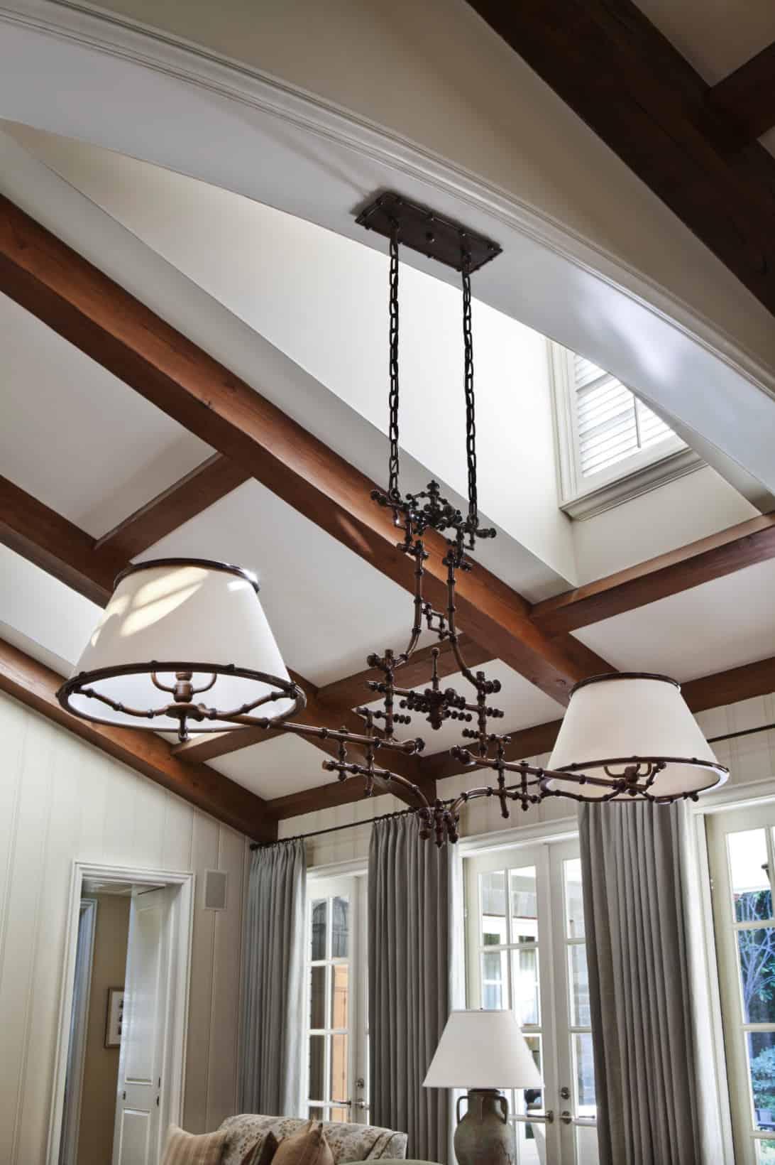 traditional-kitchen-light-fixture-detail
