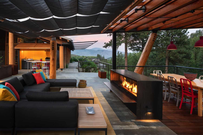 green-mountain-cabin-patio