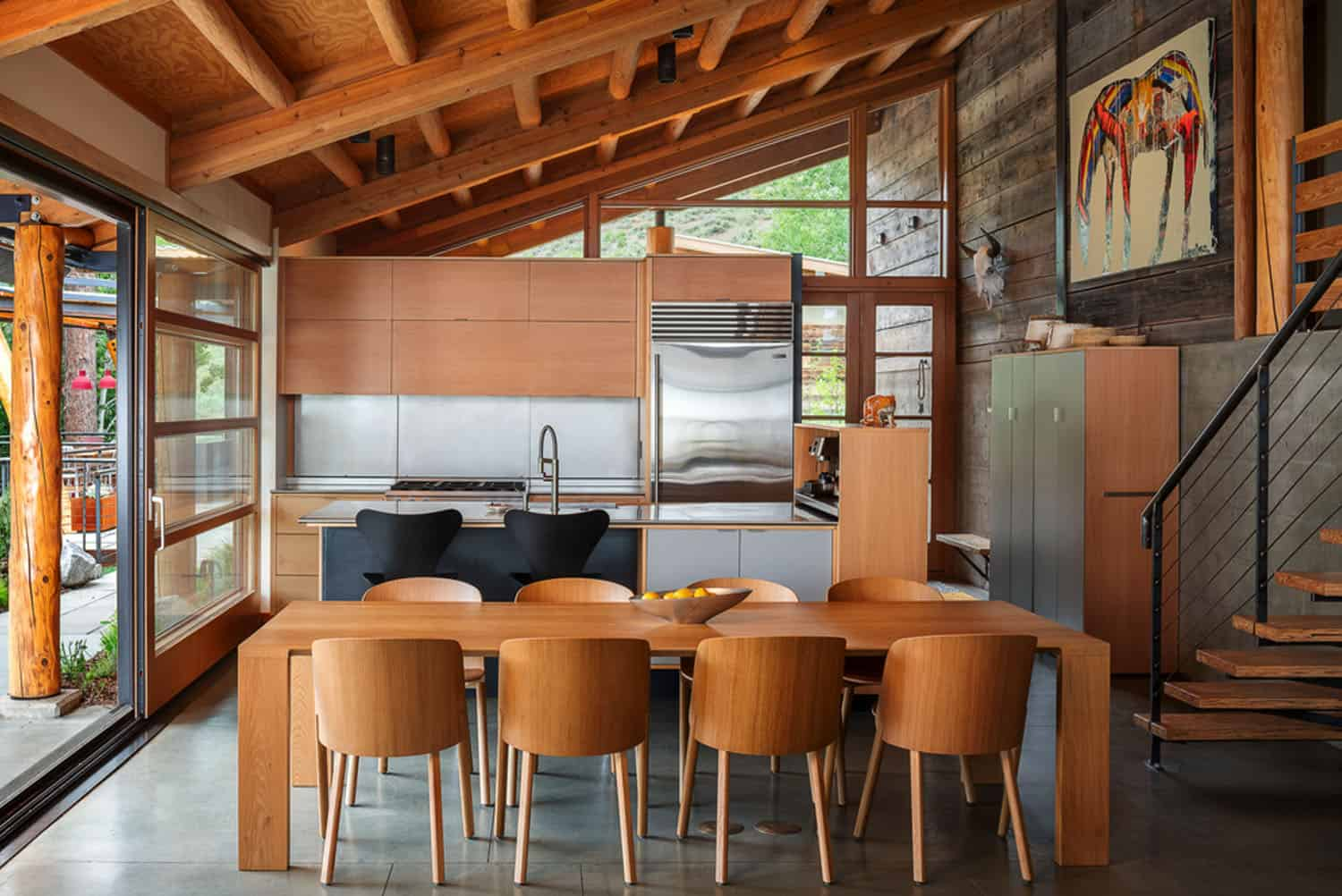 green-mountain-cabin-dining-room