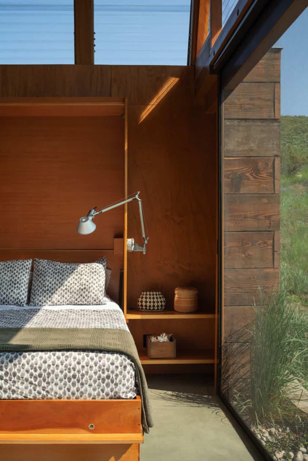 green-mountain-cabin-bedroom