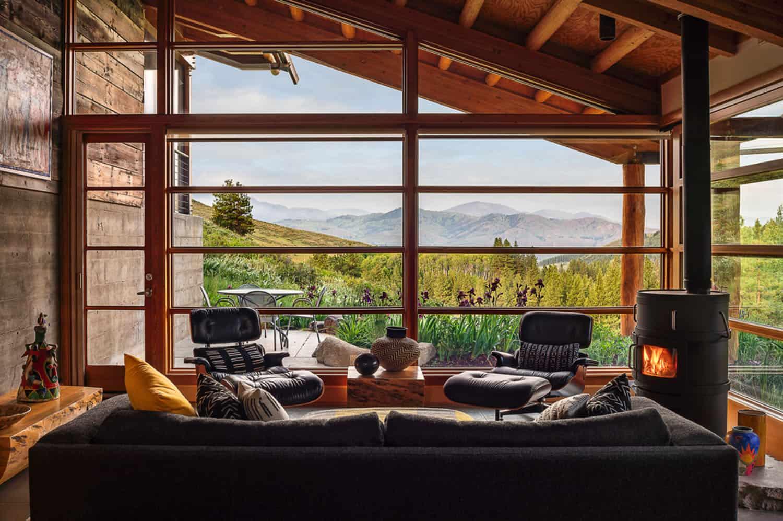 green-mountain-cabin-family-room