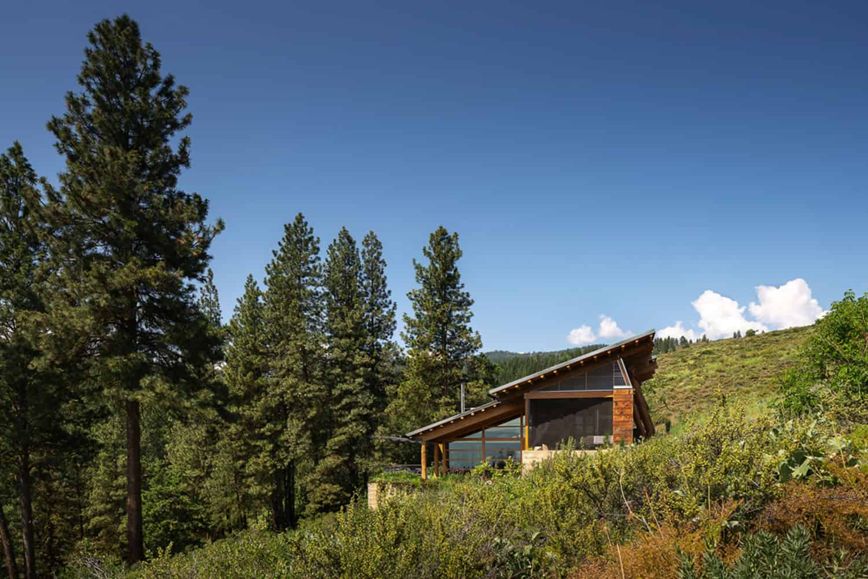 green-mountain-cabin-exterior