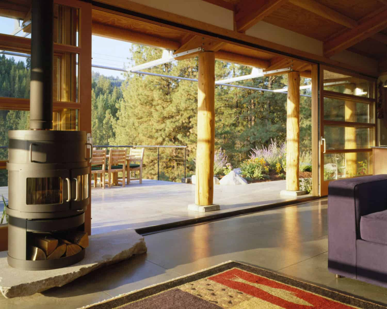 green-mountain-cabin-family-room-with-stove