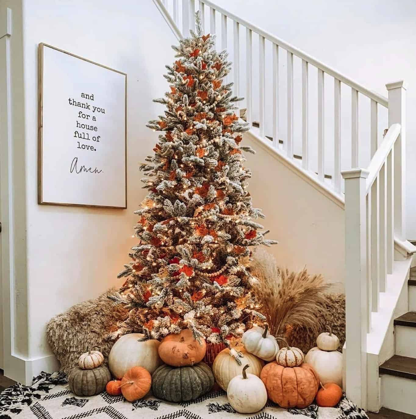 fall-decorated-tree-with-pumpkins