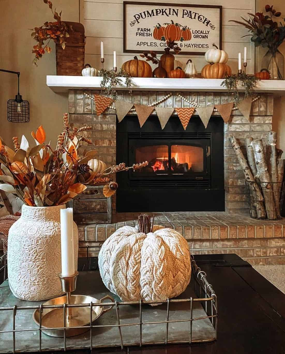 living-room-decorated-with-fall-decor