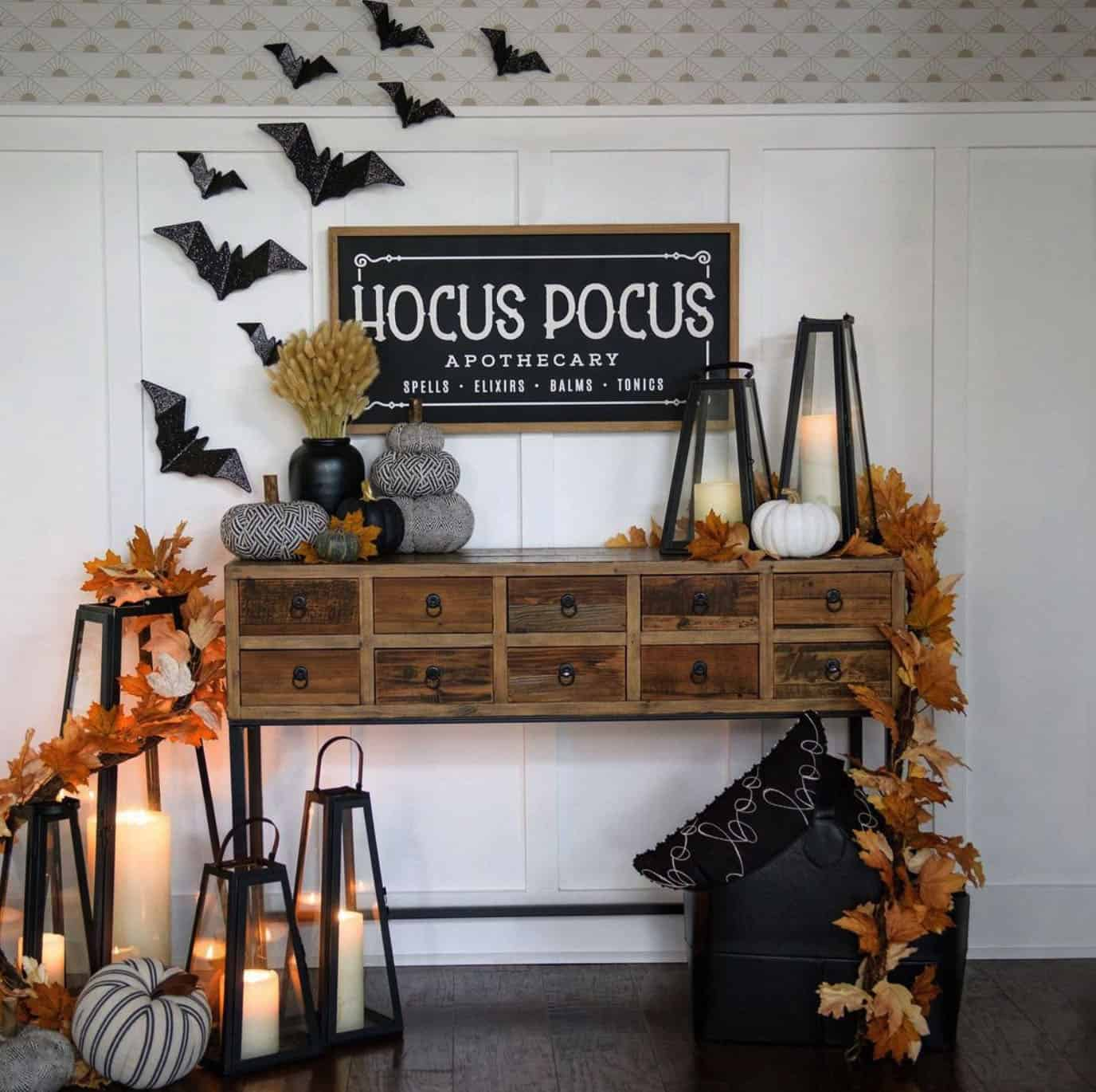 fall-halloween-decorated-console-table