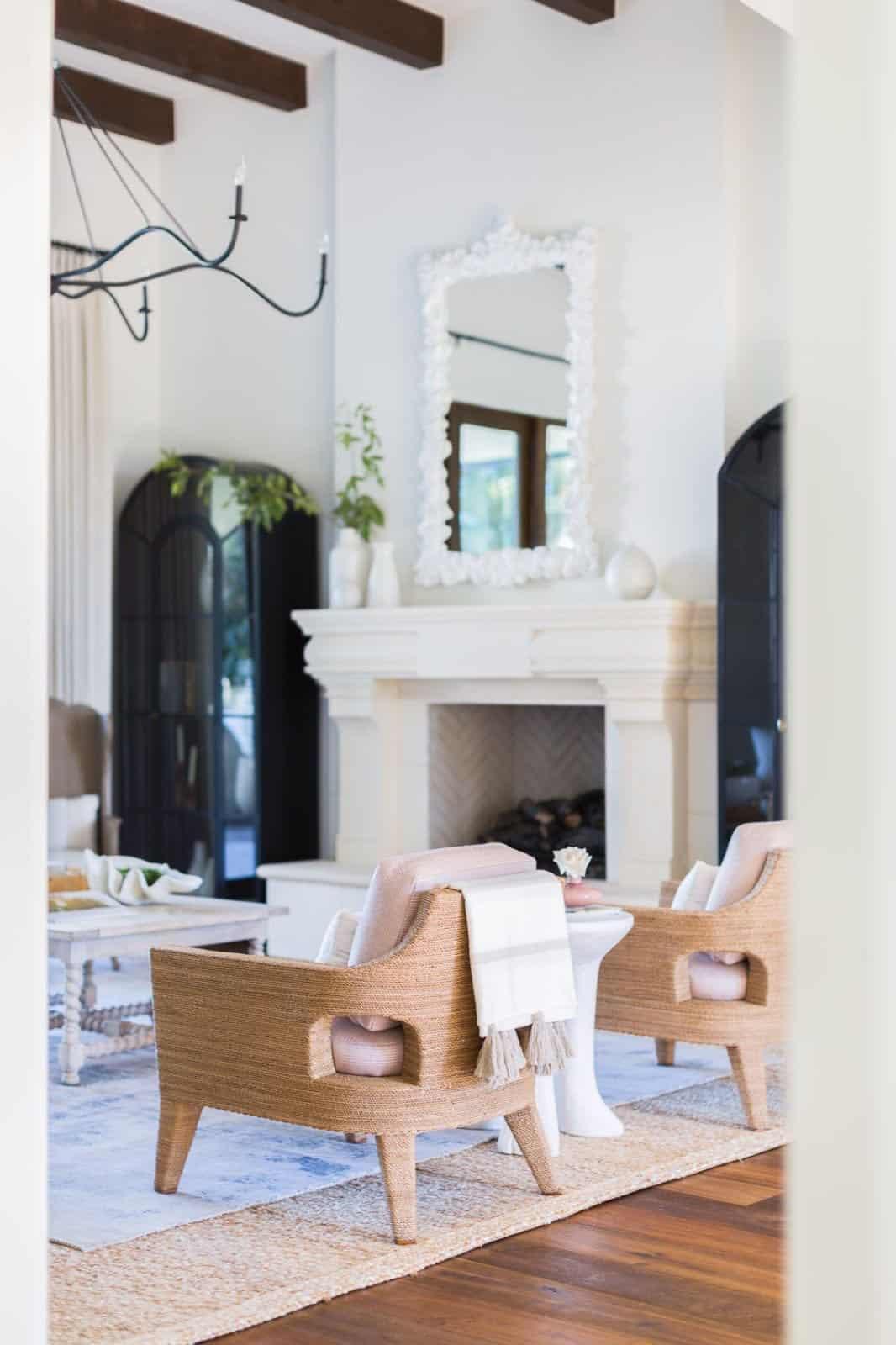 mediterranean-inspired-living-room