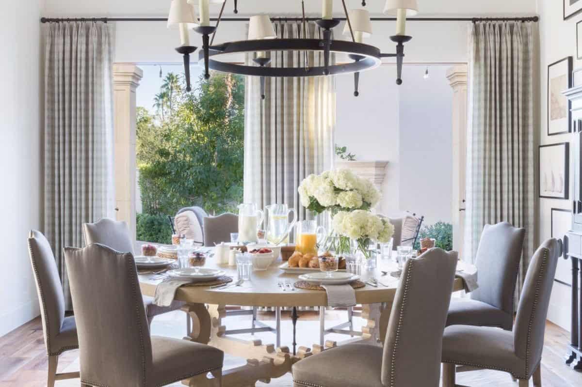 mediterranean-inspired-dining-room
