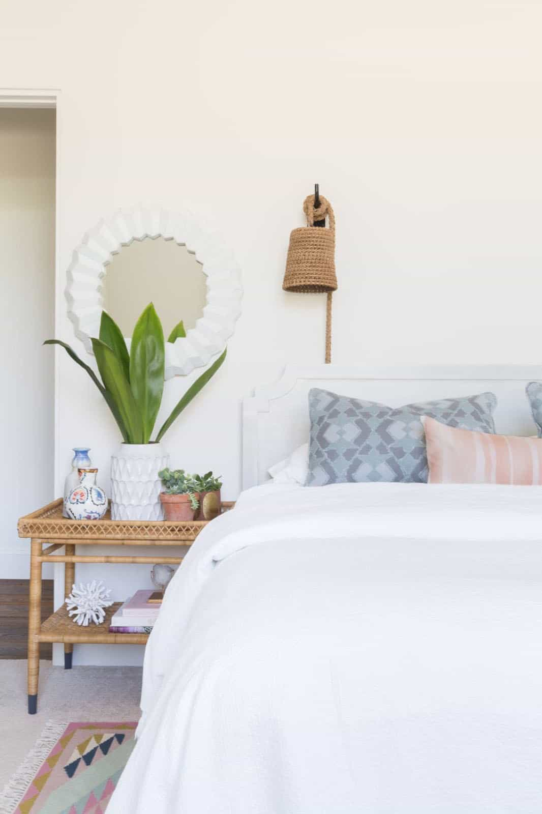mediterranean-inspired-bedroom