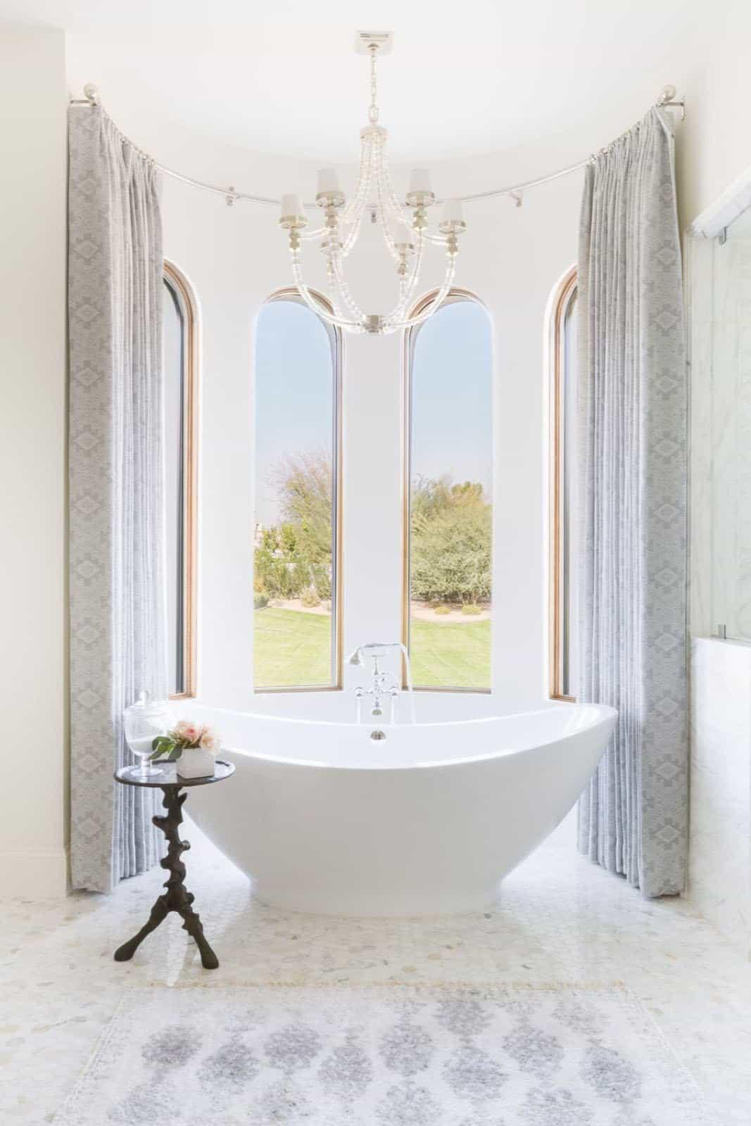 mediterranean-inspired-bathroom