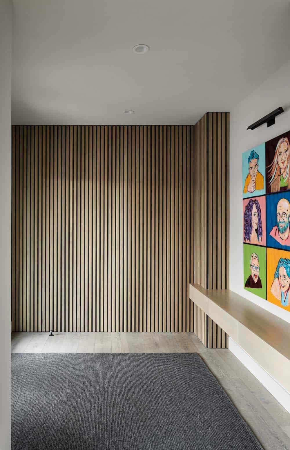 modern-coastal-style-home-entry