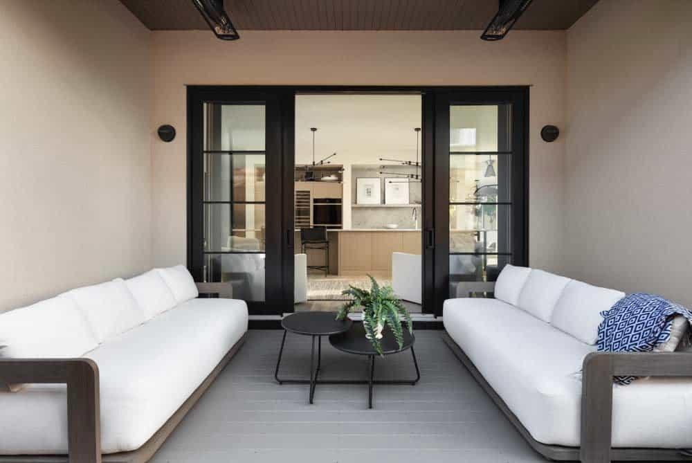 modern-coastal-style-patio