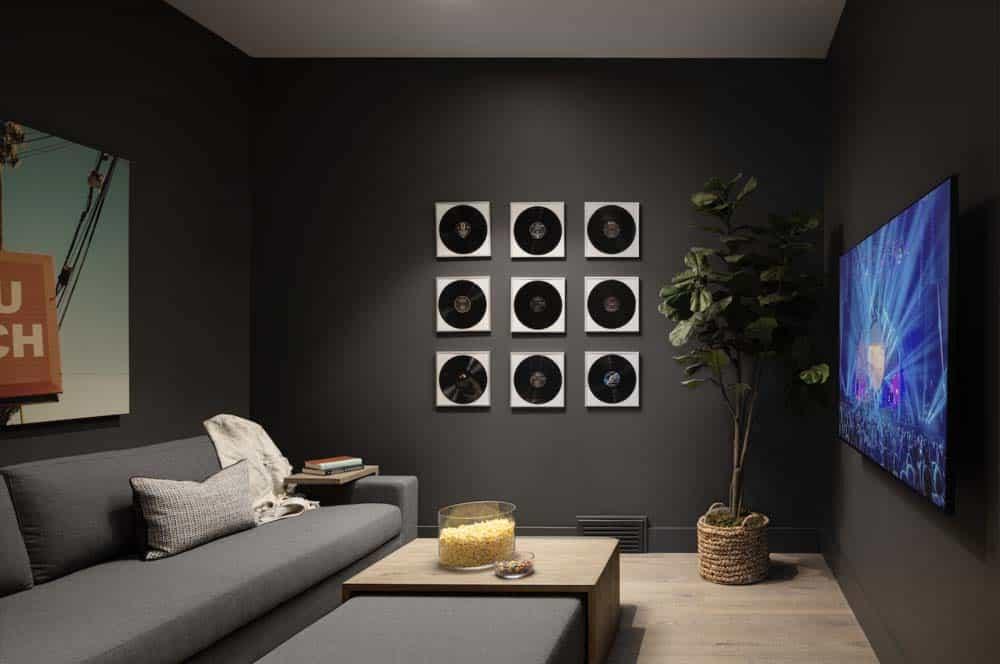 modern-coastal-style-family-room