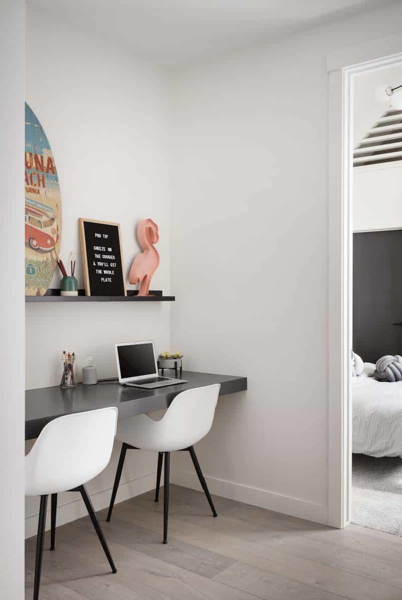 modern-coastal-style-home-office