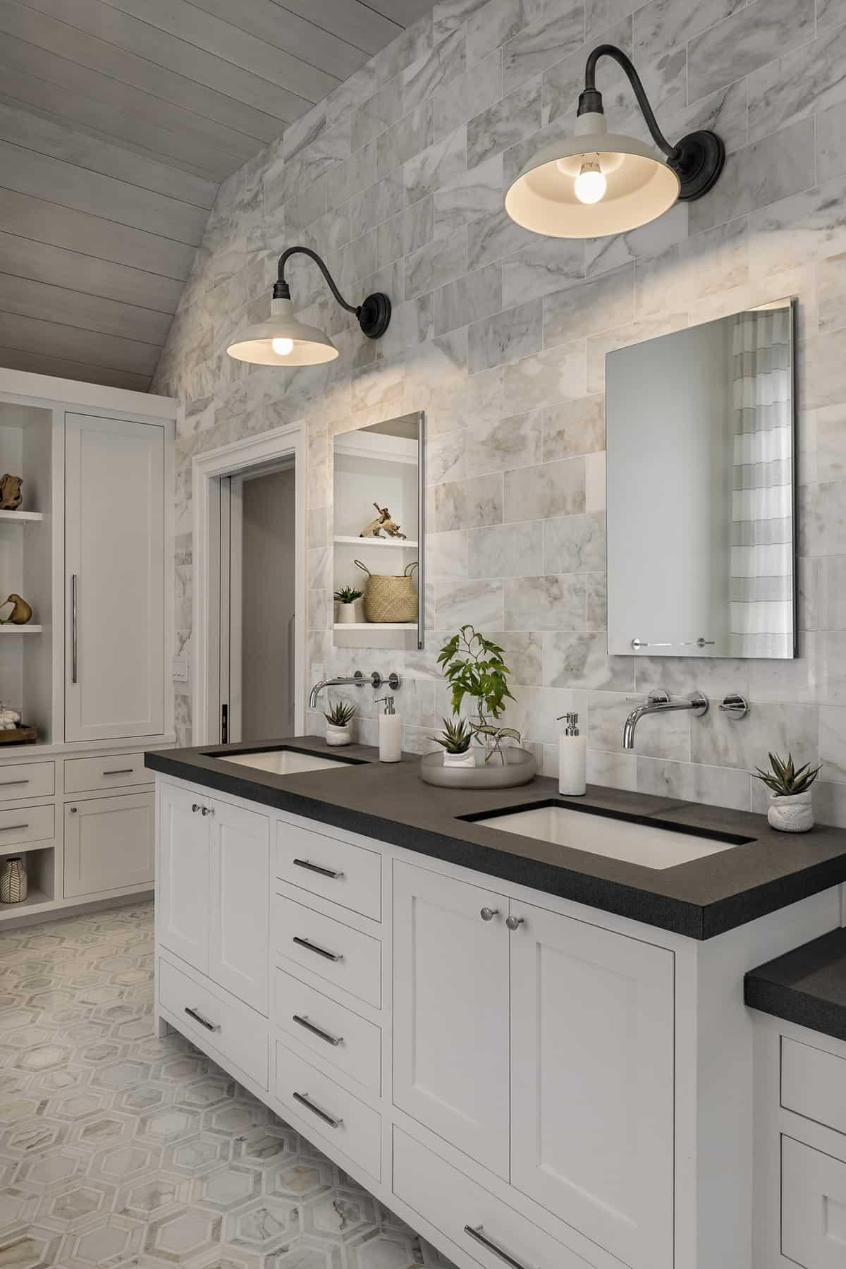 interior-renovation-transitional-bathroom