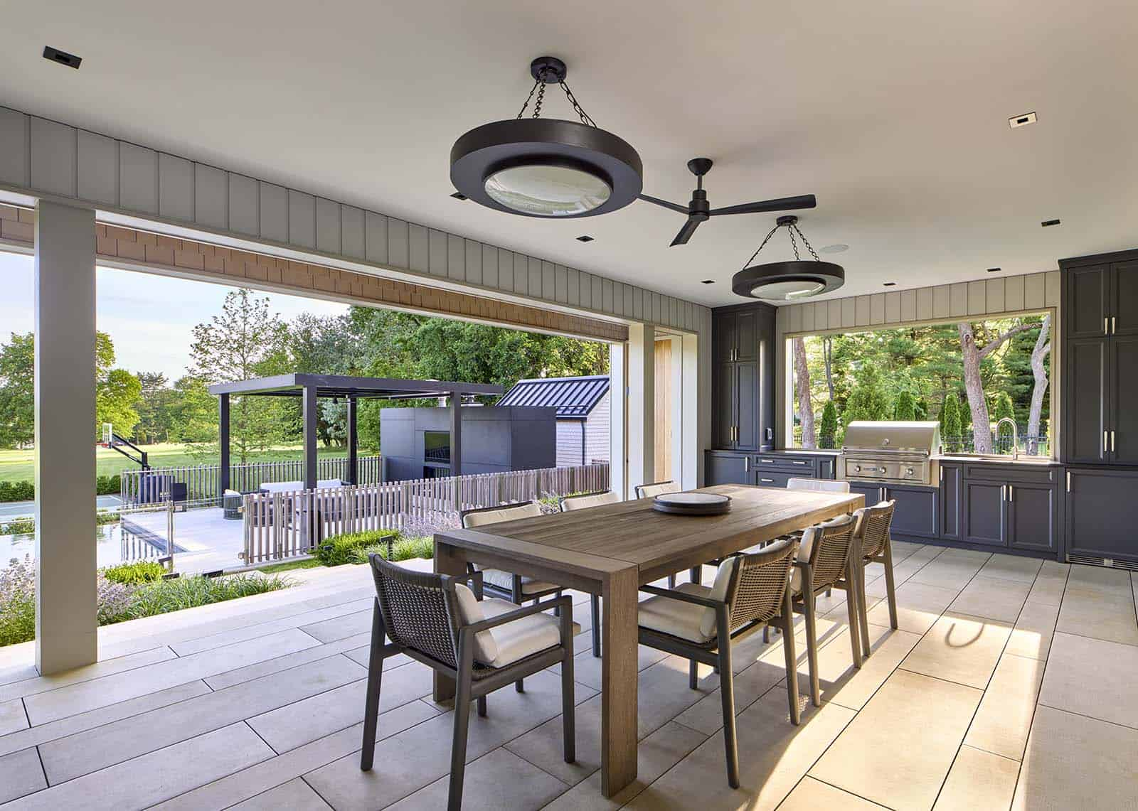 modern-covered-outdoor-dining-and-kitchen
