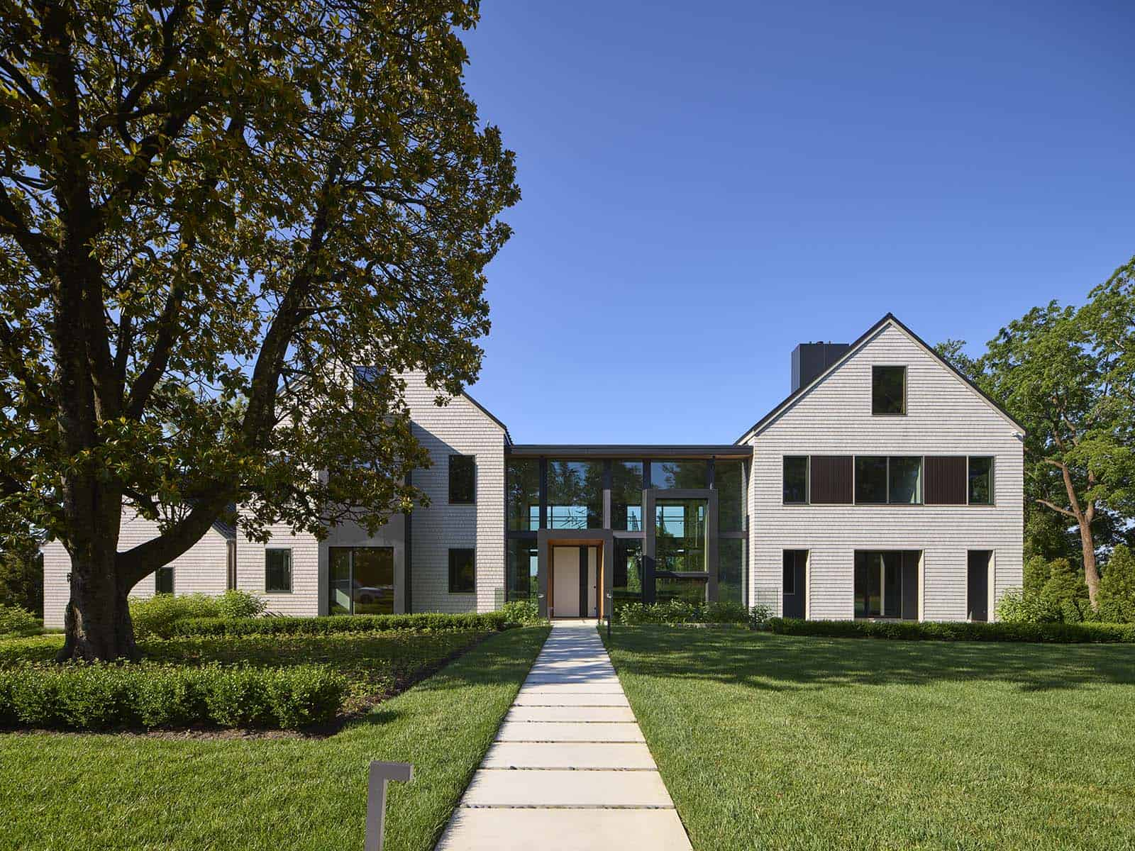 Two gabled pavilions make up this family dream home in New Jersey