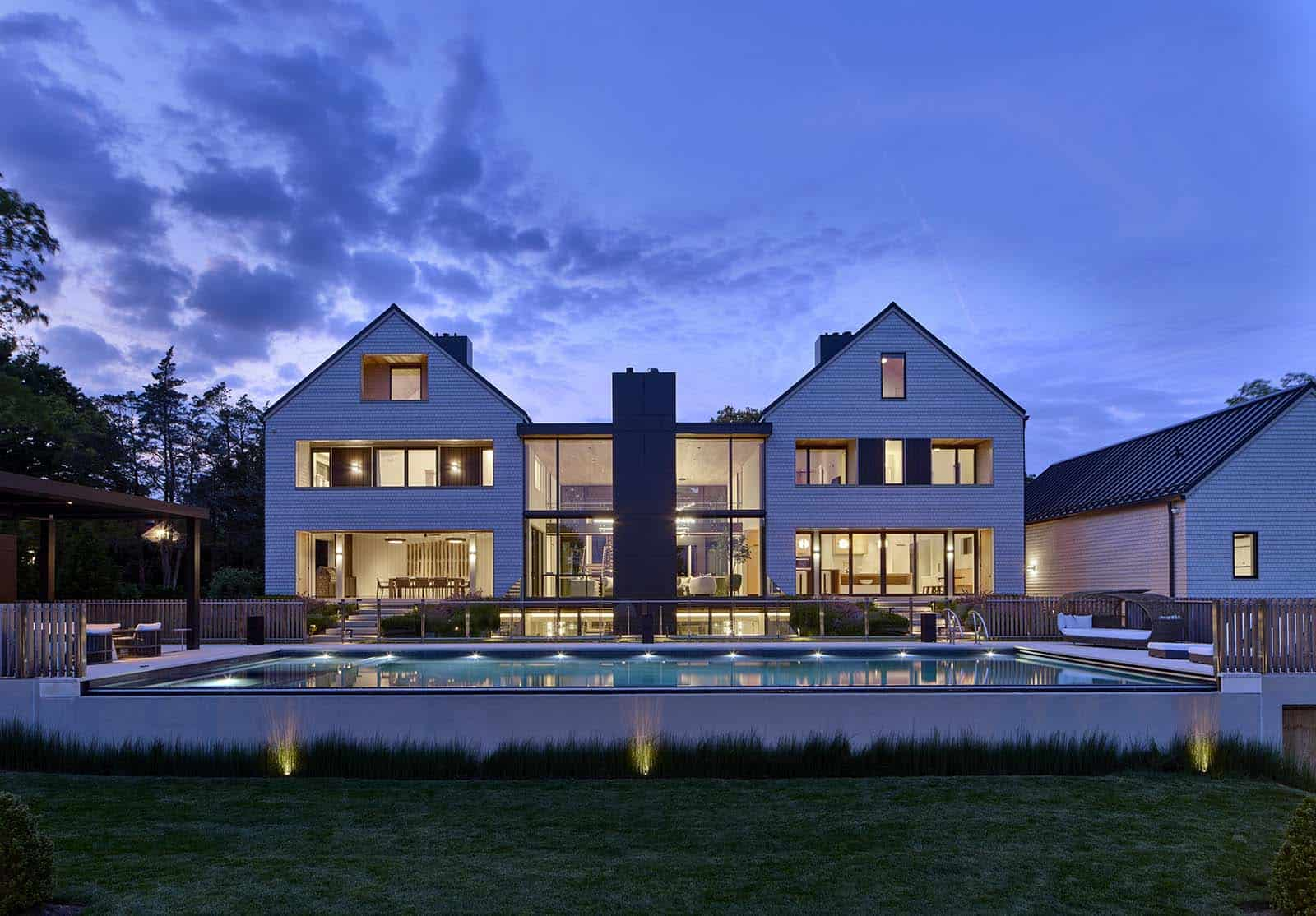 modern-home-exterior-night