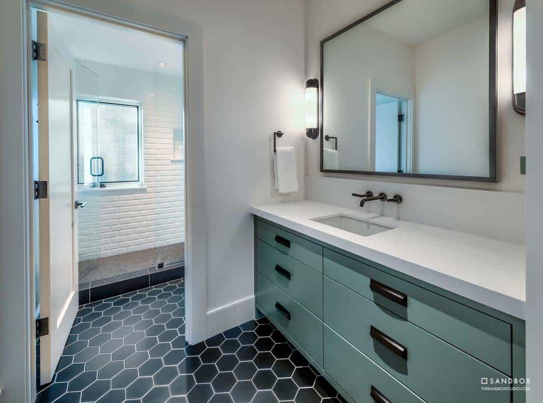 mountain-contemporary-home-bathroom-custom-finishes