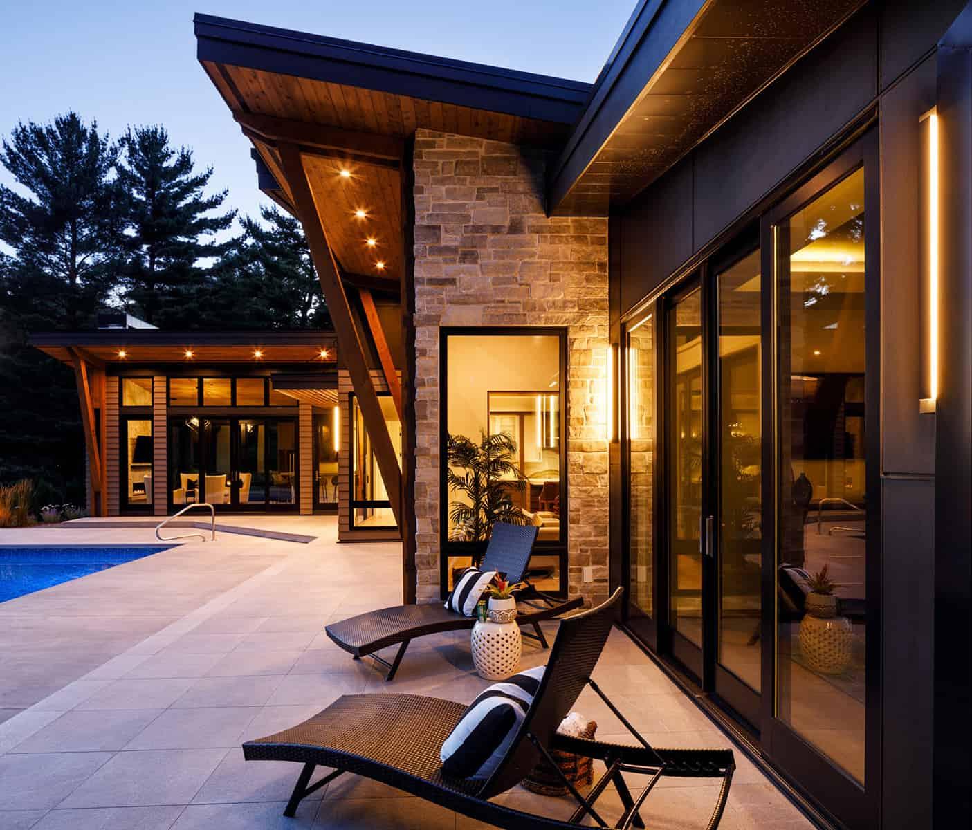 mountain-modern-patio-night