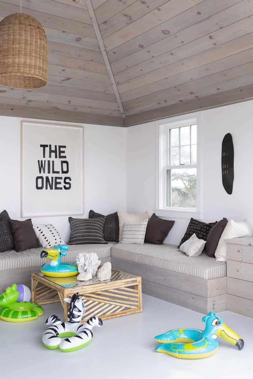 beach-house-pool-house-living-room