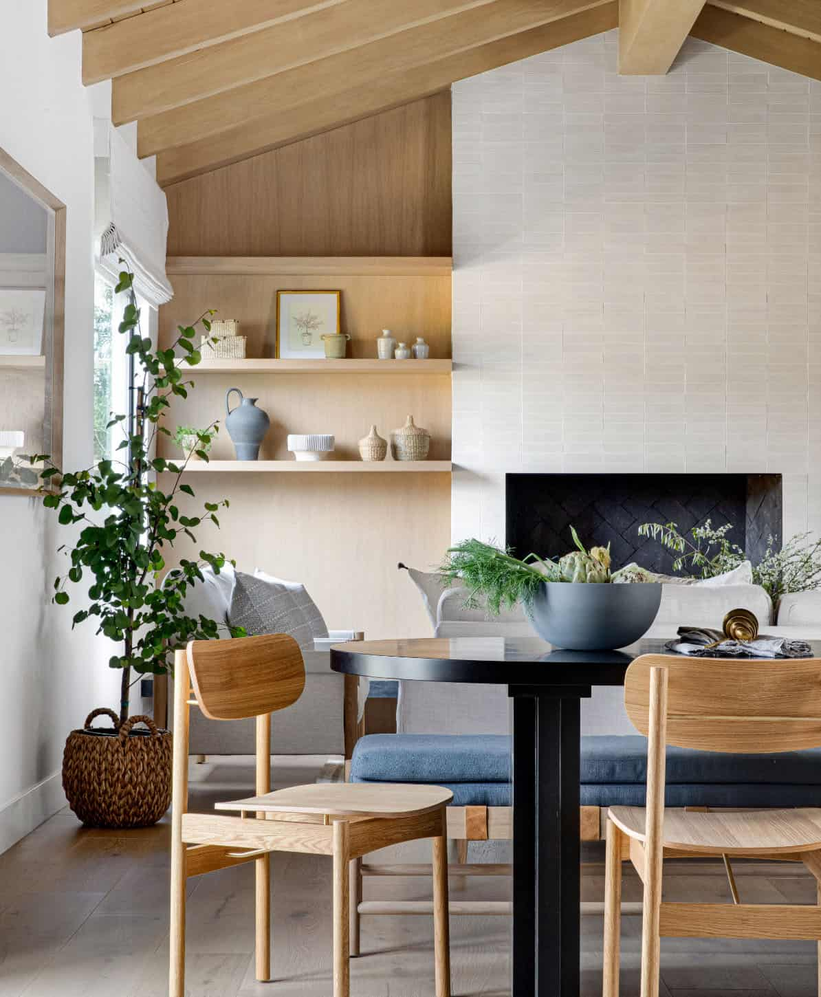 nordic-style-dining-room