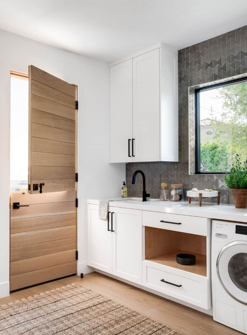 nordic-style-laundry-room