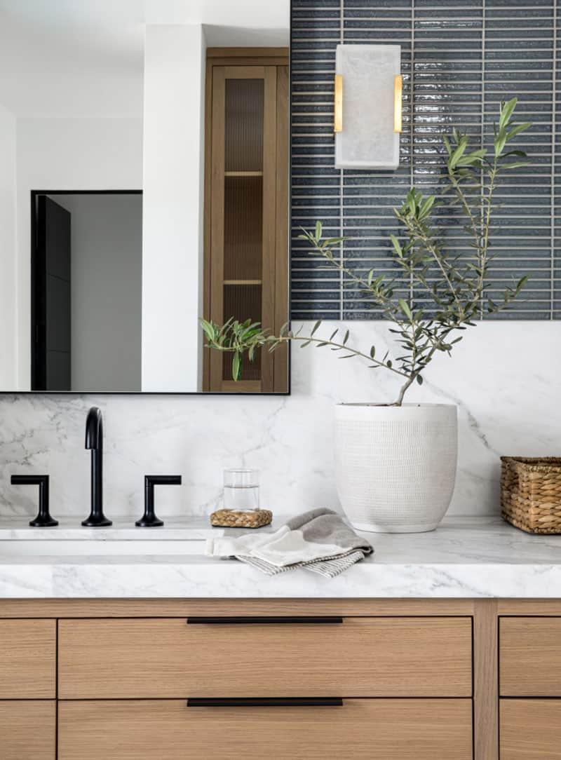 nordic-style-bathroom