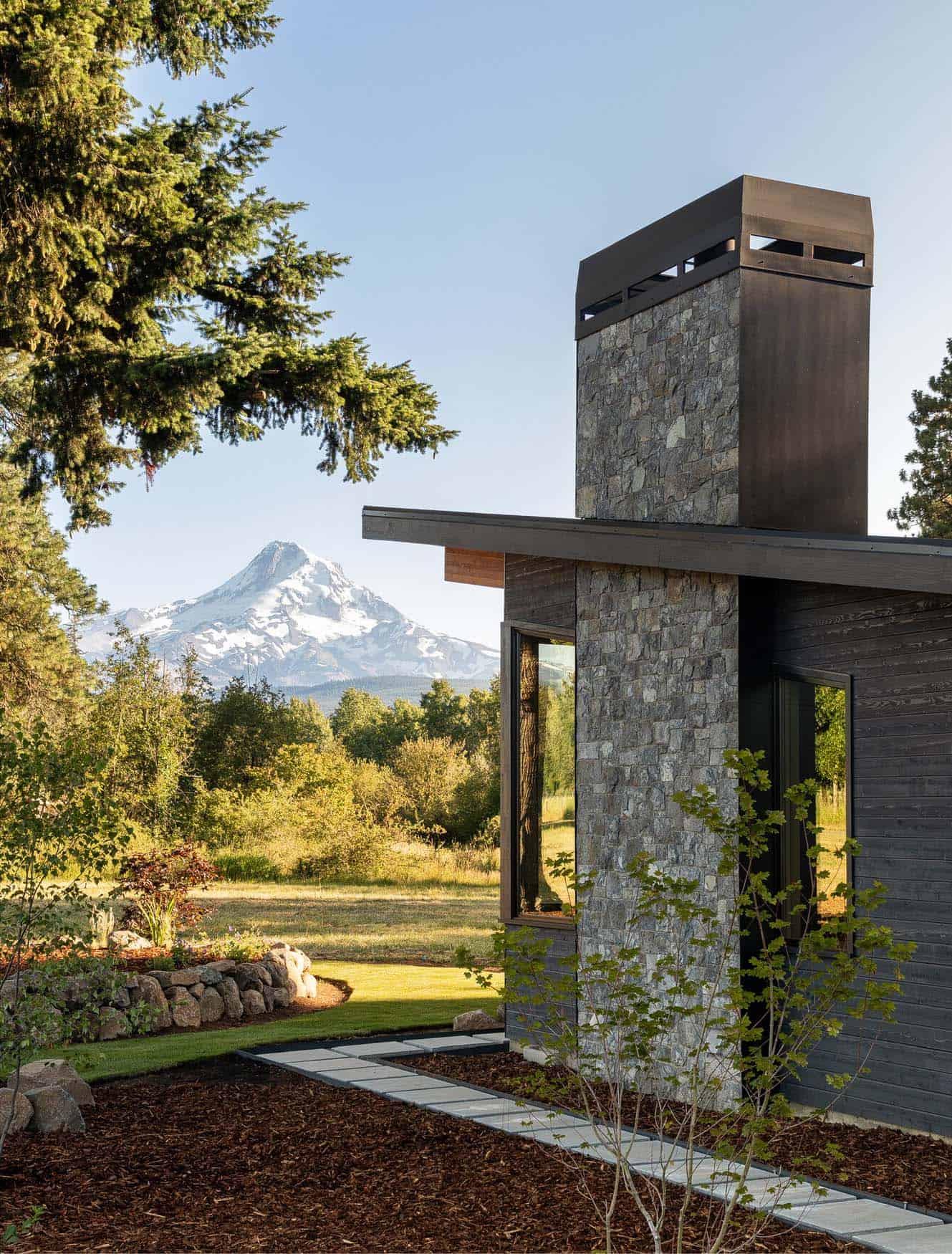 organic-modern-home-exterior