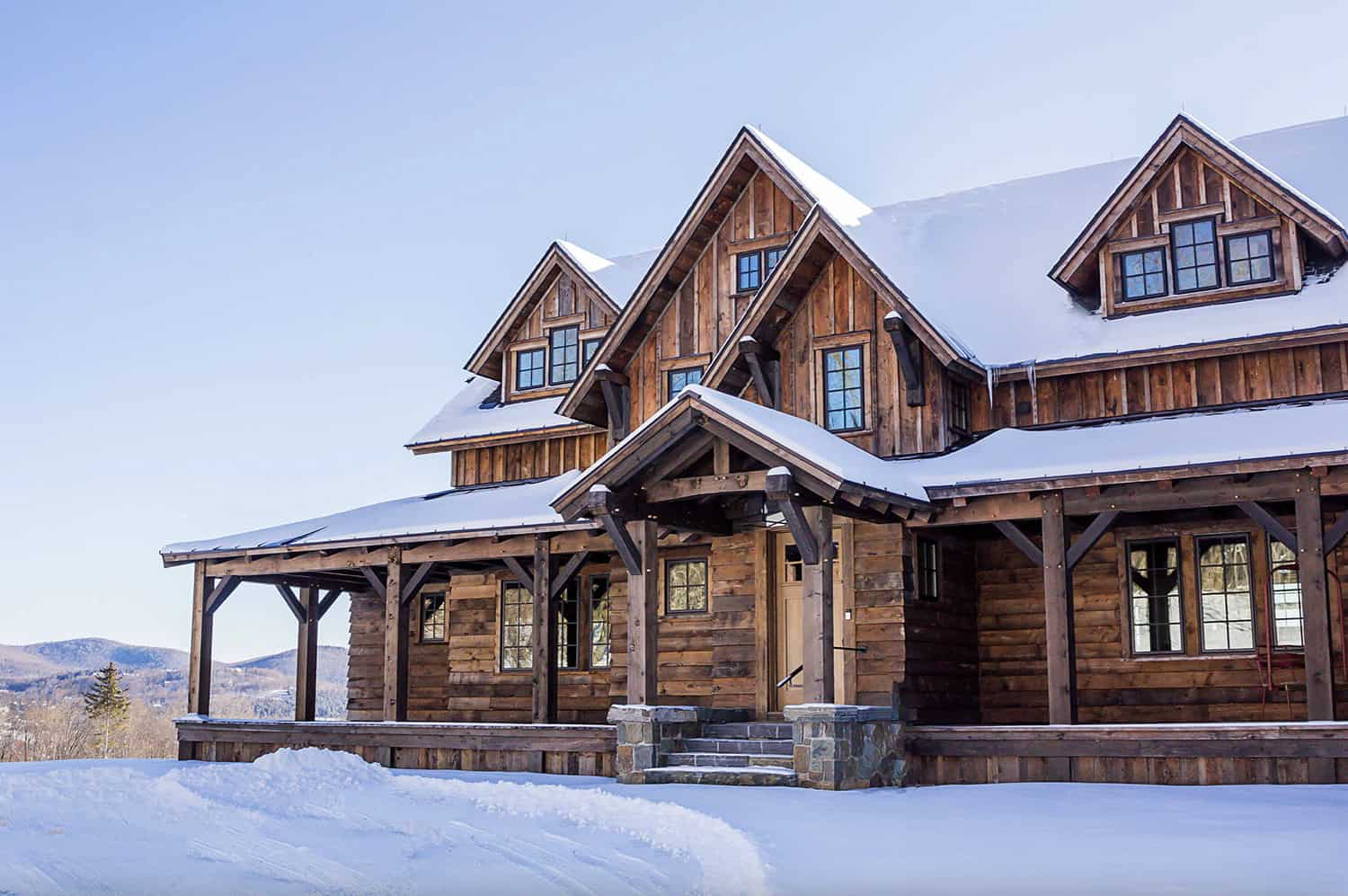 rustic-mountain-house-exterior-with-snow