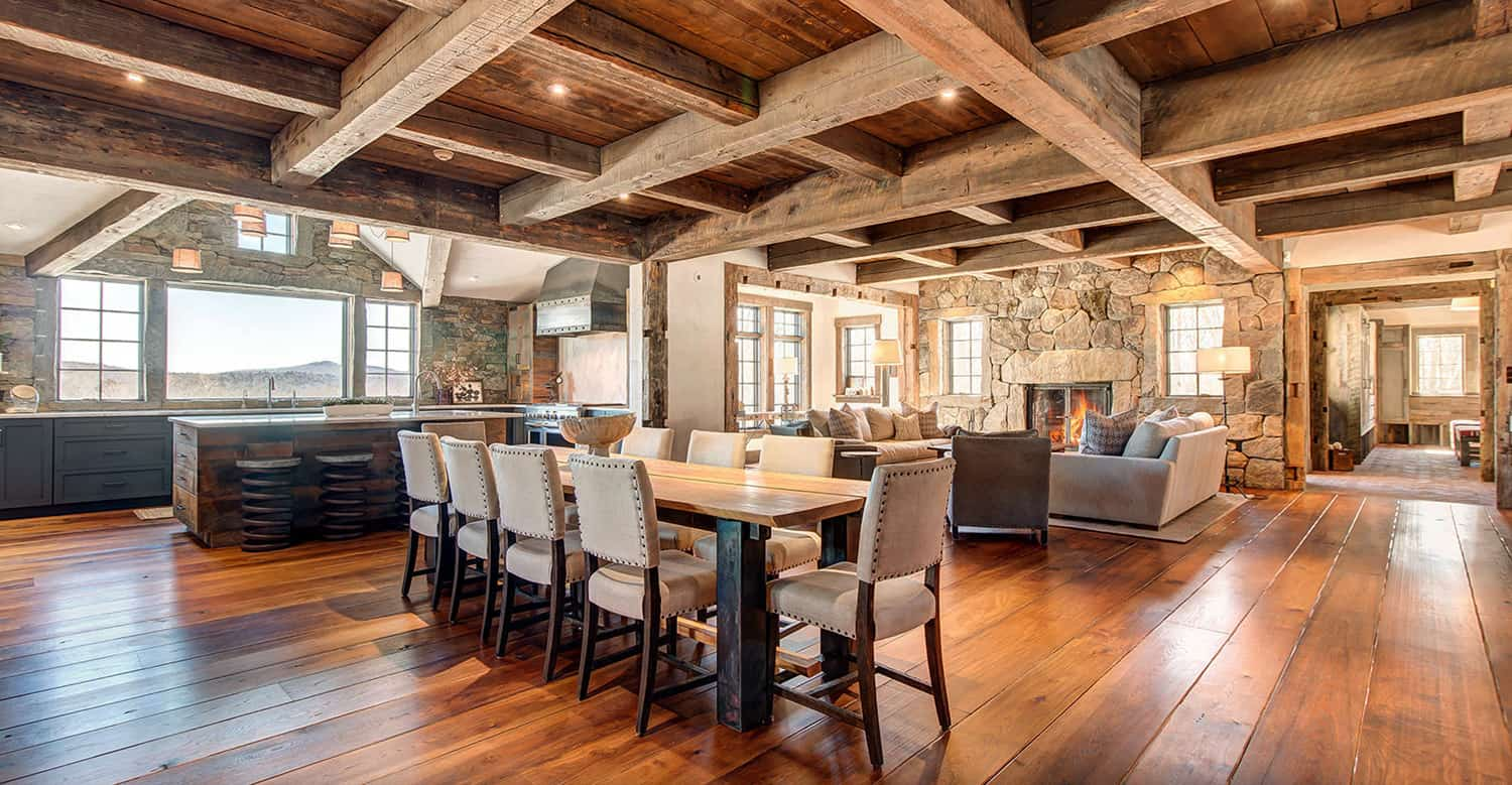rustic-mountain-house-dining-room