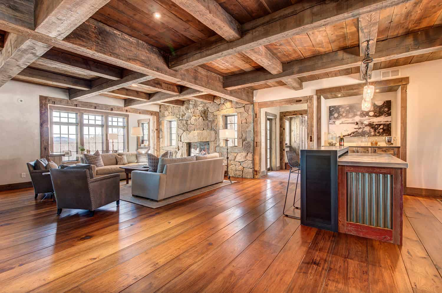 rustic-mountain-house-great-room