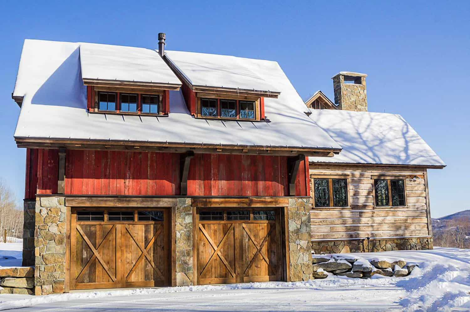 rustic-mountain-house-and-garage