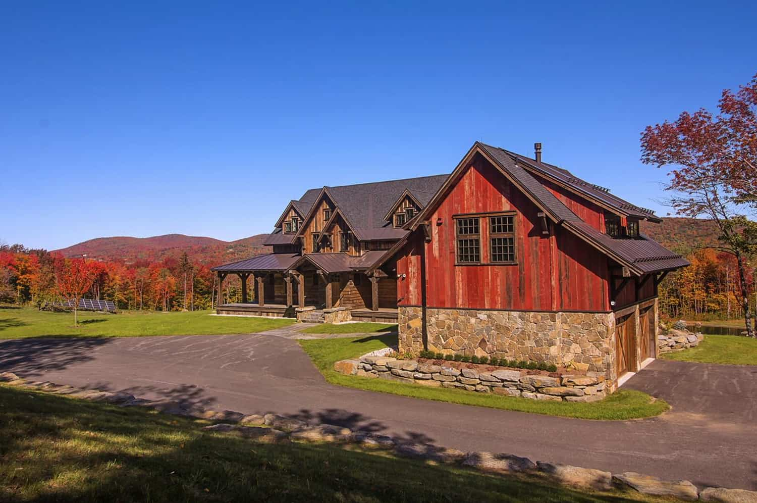 rustic-mountain-house-exterior-with-garage