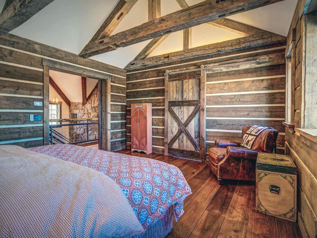 rustic-guest-bedroom
