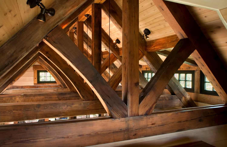 Detalle-de-techo-de-madera-rustico